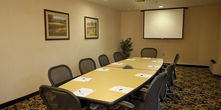 holiday inn express meetings